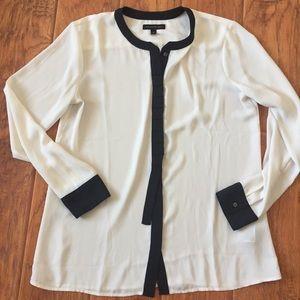 Banana Republic blouse with black detail sz medium